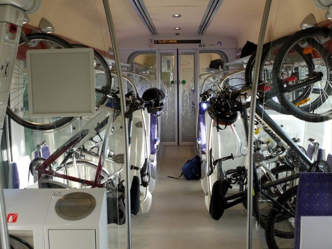 Compartiment_vélo_X76500_P1070603